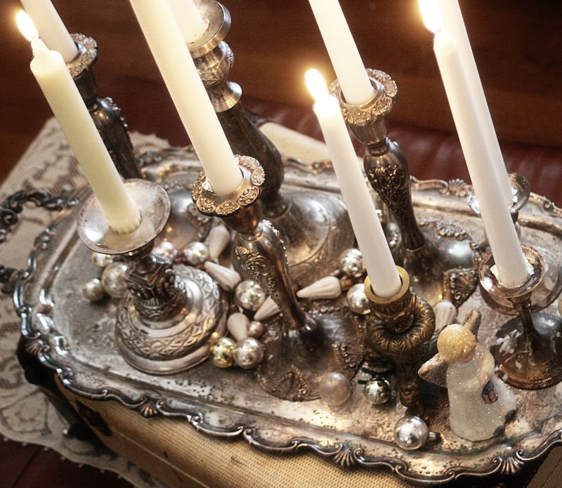 Quiet-christmas-white-candles