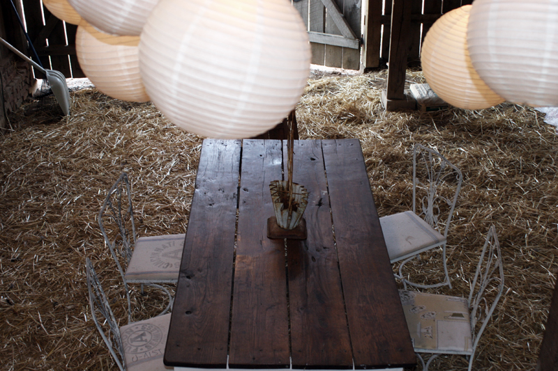 Barn-table-from-above