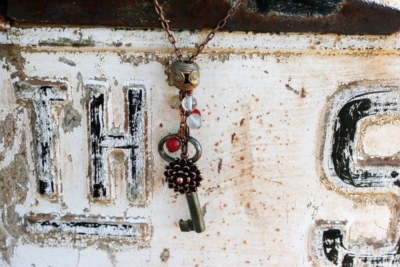 Nunn-necklace-flower-01