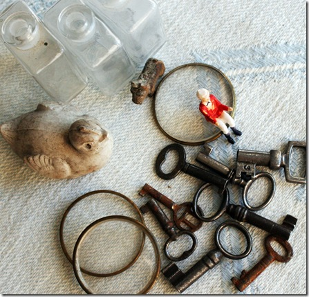 paris findings keys etc